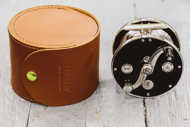 Bild på Hardy HBX Leather Reel Case